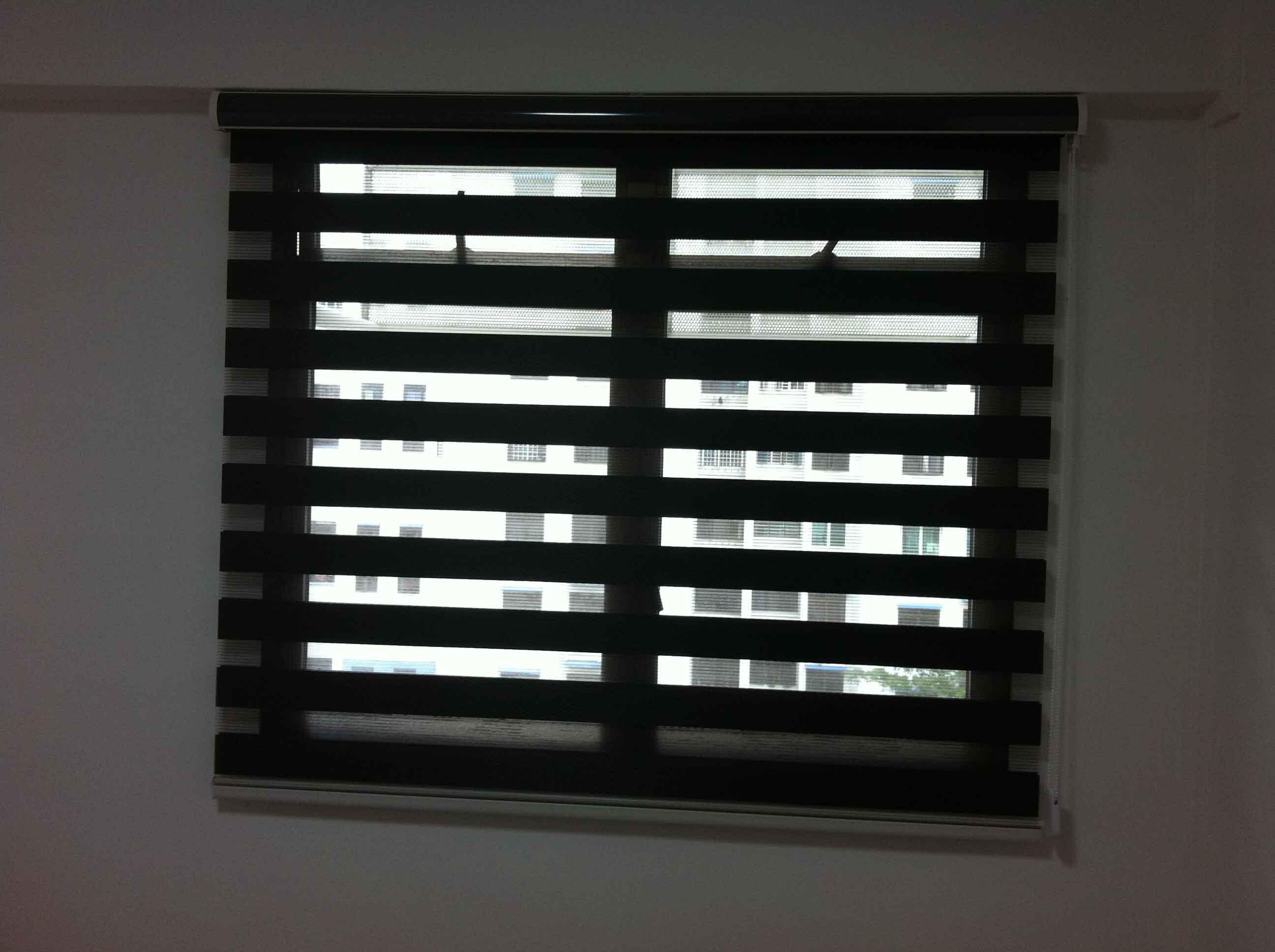 roller blinds 37