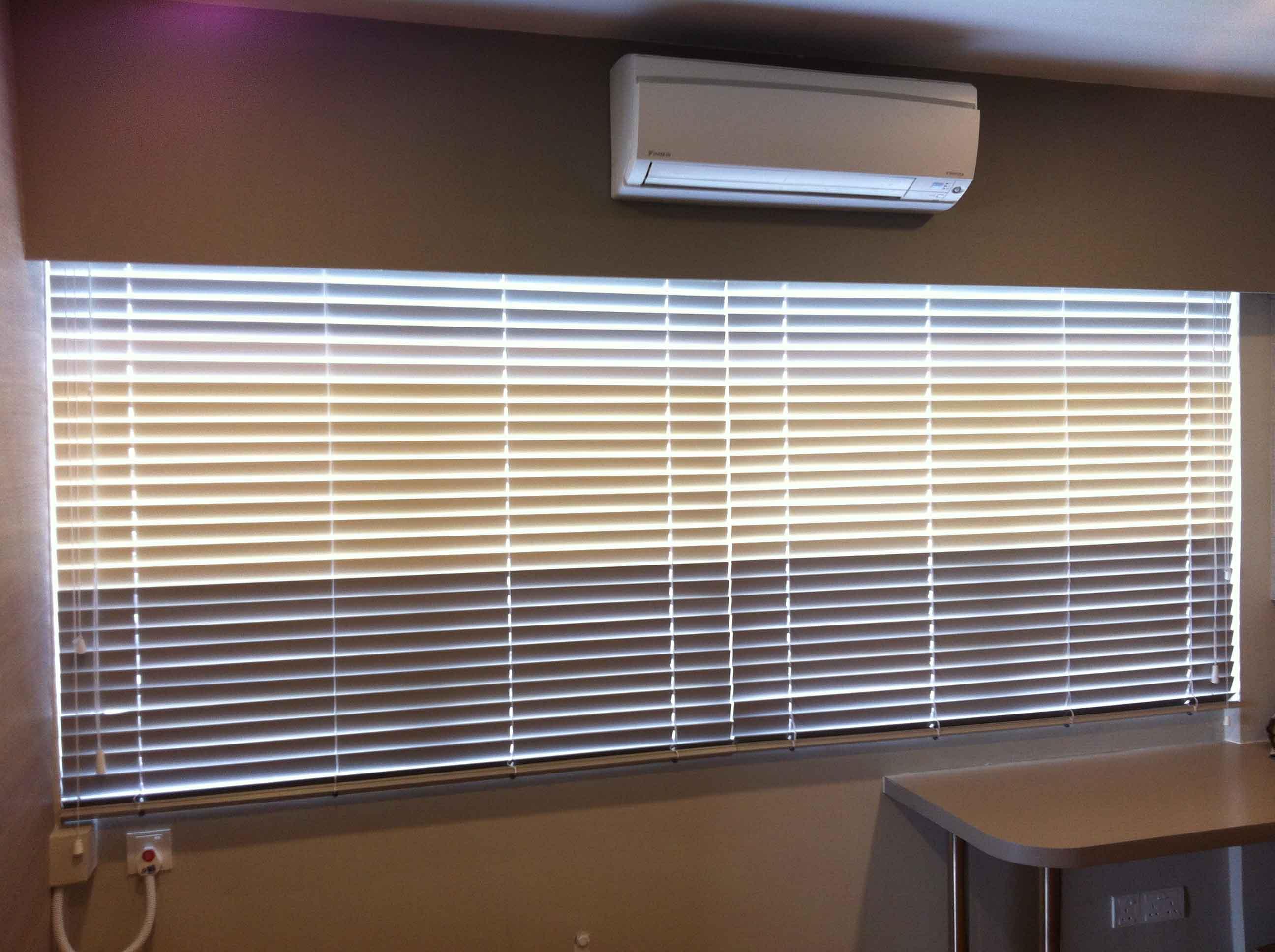 venetian blinds 12