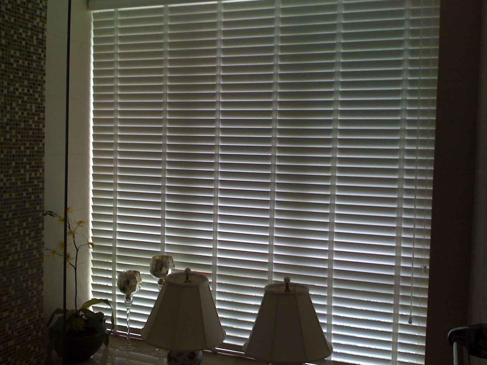 venetian blinds 32